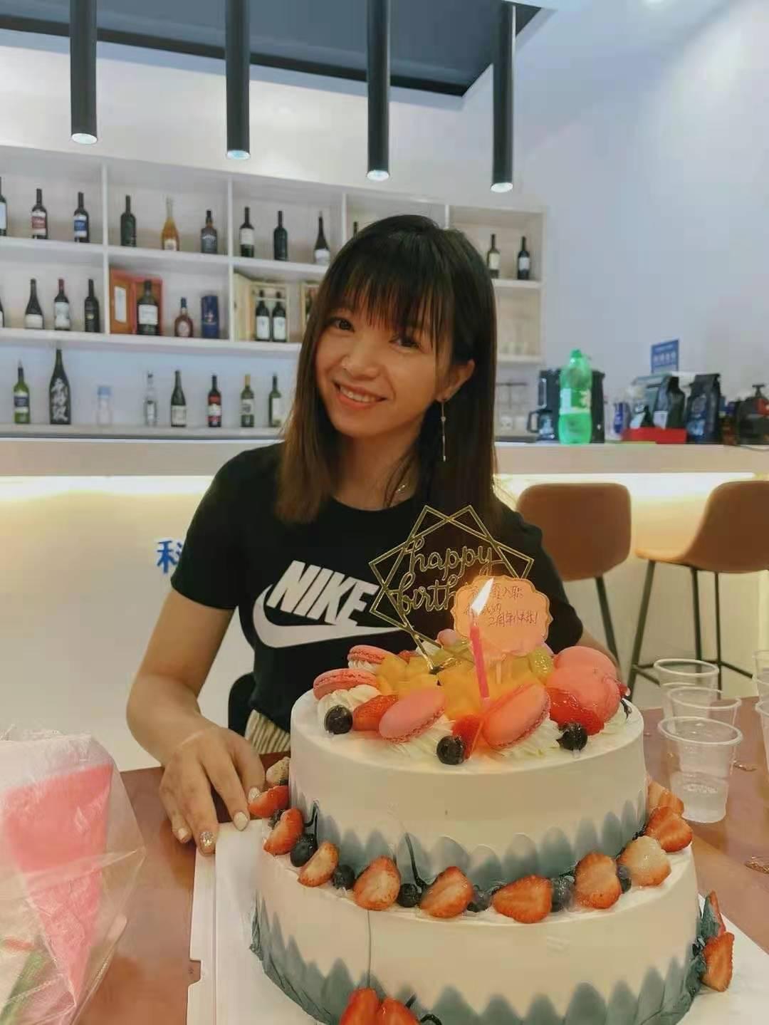 """科威纳小伙伴陈小姐的""""两周岁""""生日"""